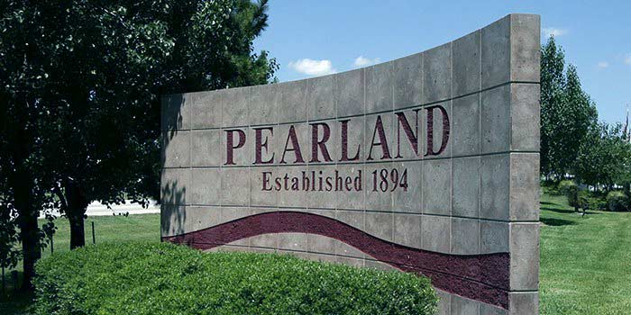 City of Pearland welcome sign